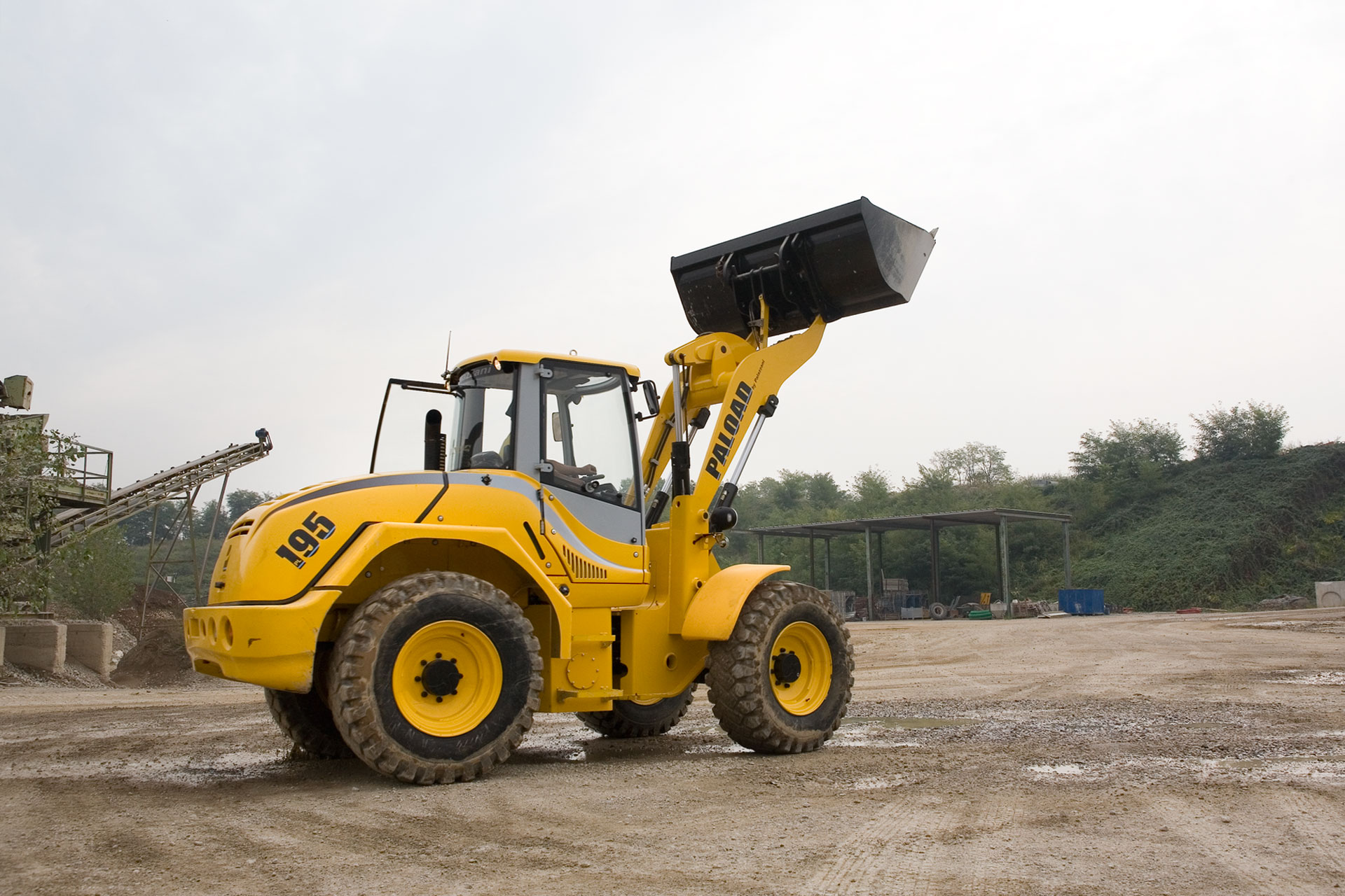 ARTICULATED WHEEL LOADER